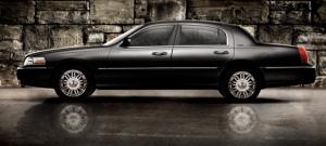 Lincoln Town Car Sedan