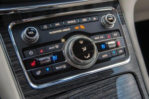 2017-lincoln-continental-console-controls
